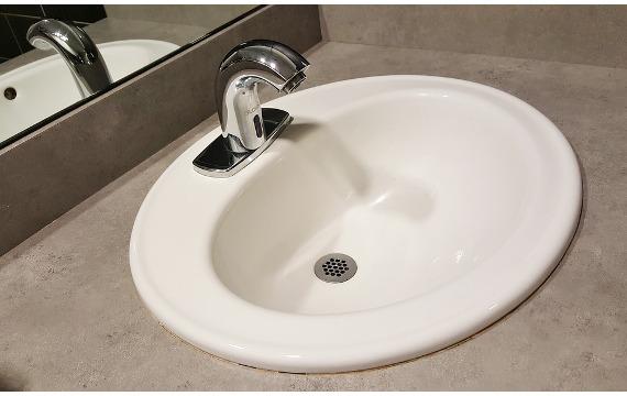zmiękczanie twardej wody w domu